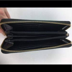 kate spade Bags - KATE SPADE New York Zip Clutch Wallet Leather